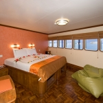 Cabin-Queen-Carpe-Vita-Explorer-Maldives-Explorer-Ventures-Liveaboard-Diving