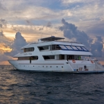Vessel-Stern-Port-Sunset-Carpe-Vita-Explorer-Maldives-Explorer-Ventures-Liveaboard-Diving