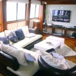 Main-salon-TV-Humboldt-Explorer-Galapagos-Explorer-Ventures-Liveaboard-Diving