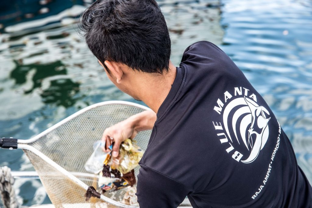 Indonesian Dive Crews Clean up Harbor | World Oceans Day 2018 | Explorer Ventures
